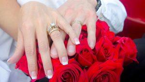1 15 300x169 - حلمت اني تزوجت وانا عزباء