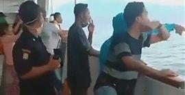 302 8 - ركاب سفينة يقفزون في المياه بعد علمهم بوجود حالة كورونا.. تفاصيل بالفيديو
